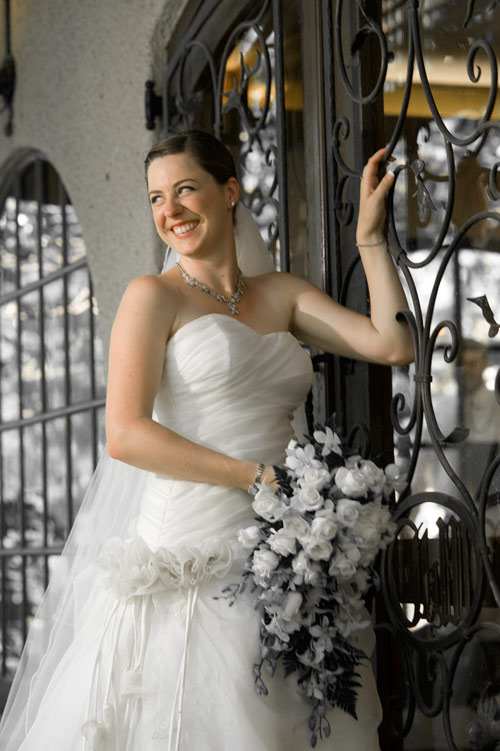 a bride at cheateau wyuna, in black and white part color